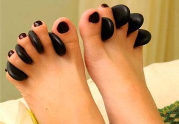 Đá massage chân
