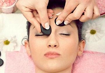 Đá massage mặt